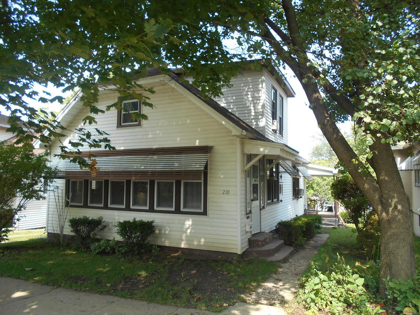 210 W Dakota Street, Spring Valley, IL 61362 - #: 10859558