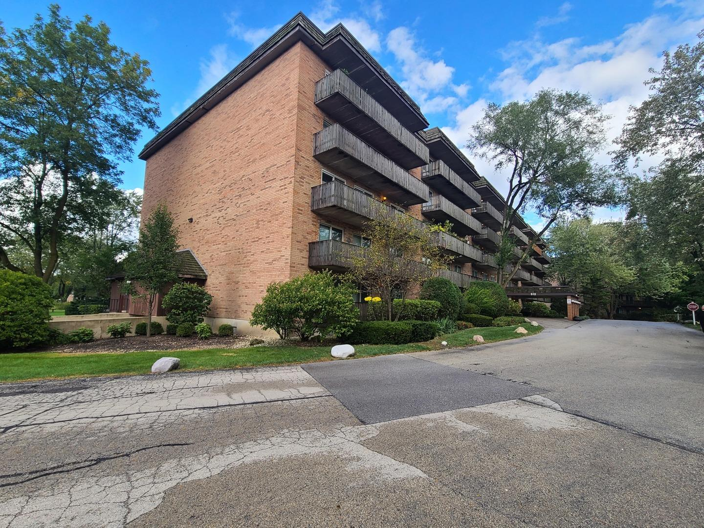 512 Redondo Drive #110, Downers Grove, IL 60516 - #: 10915560
