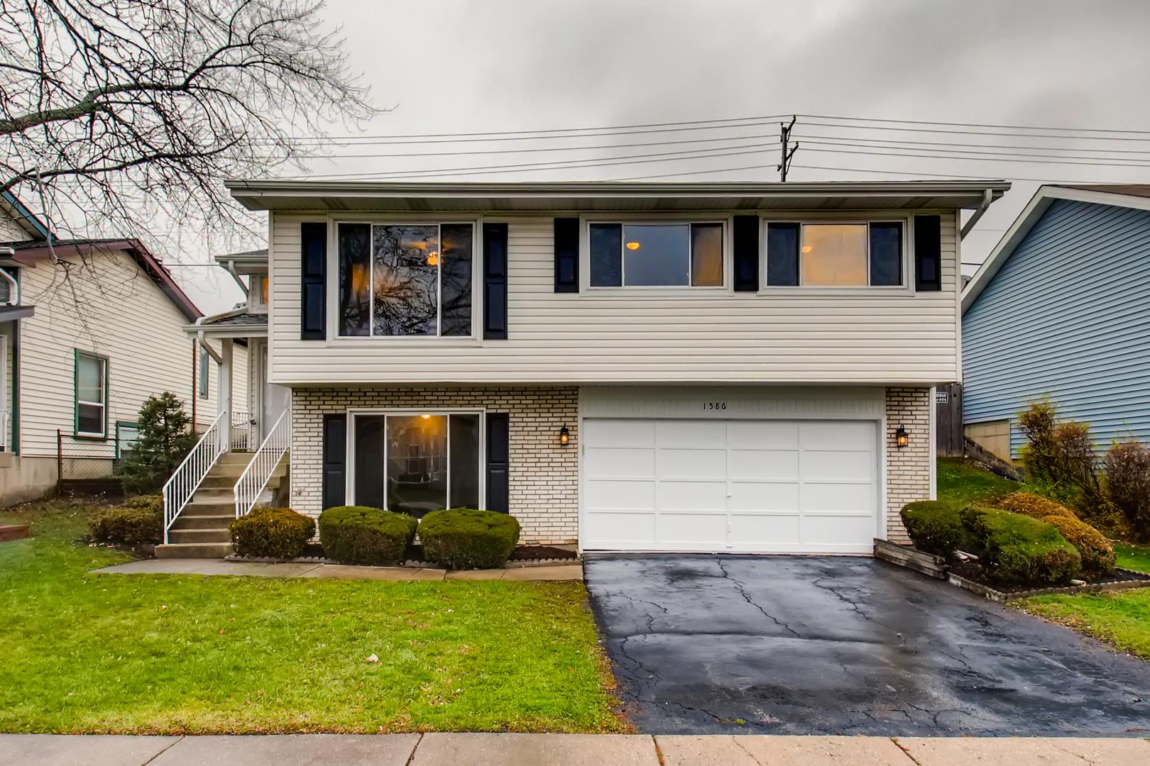 1586 Brookside Drive, Hoffman Estates, IL 60169 - #: 10941563