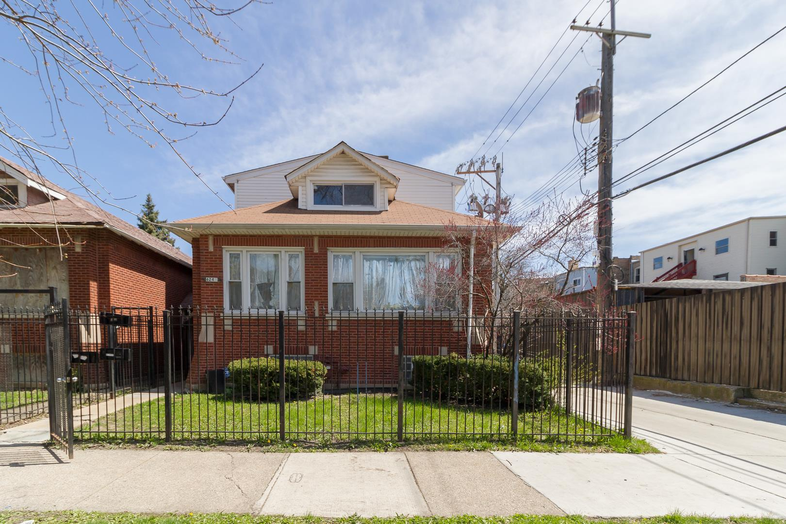 6243 S Campbell Avenue, Chicago, IL 60629 - #: 10695570