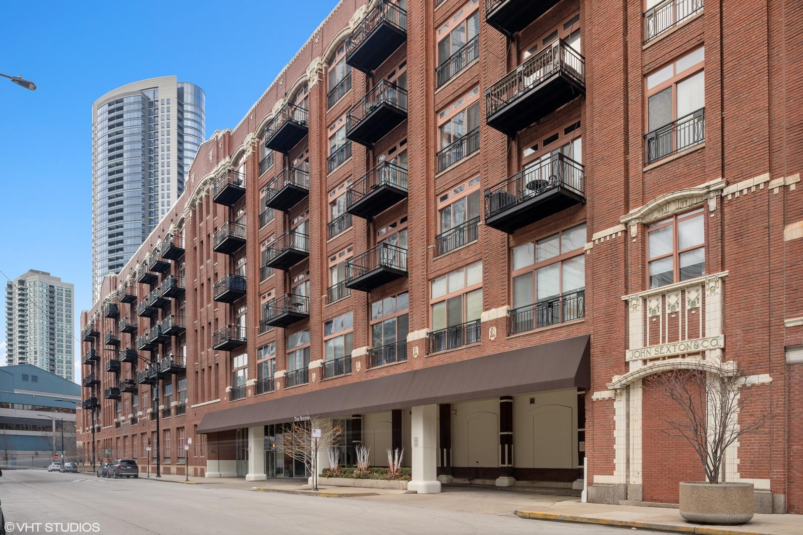 360 W ILLINOIS Street #3A, Chicago, IL 60654 - #: 10995578