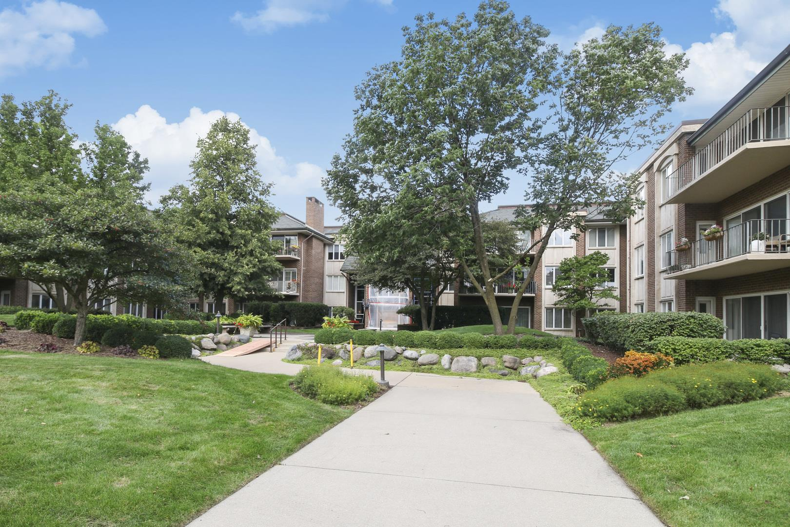 3 Oak Brook Club Drive #D303, Oak Brook, IL 60523 - #: 10581581