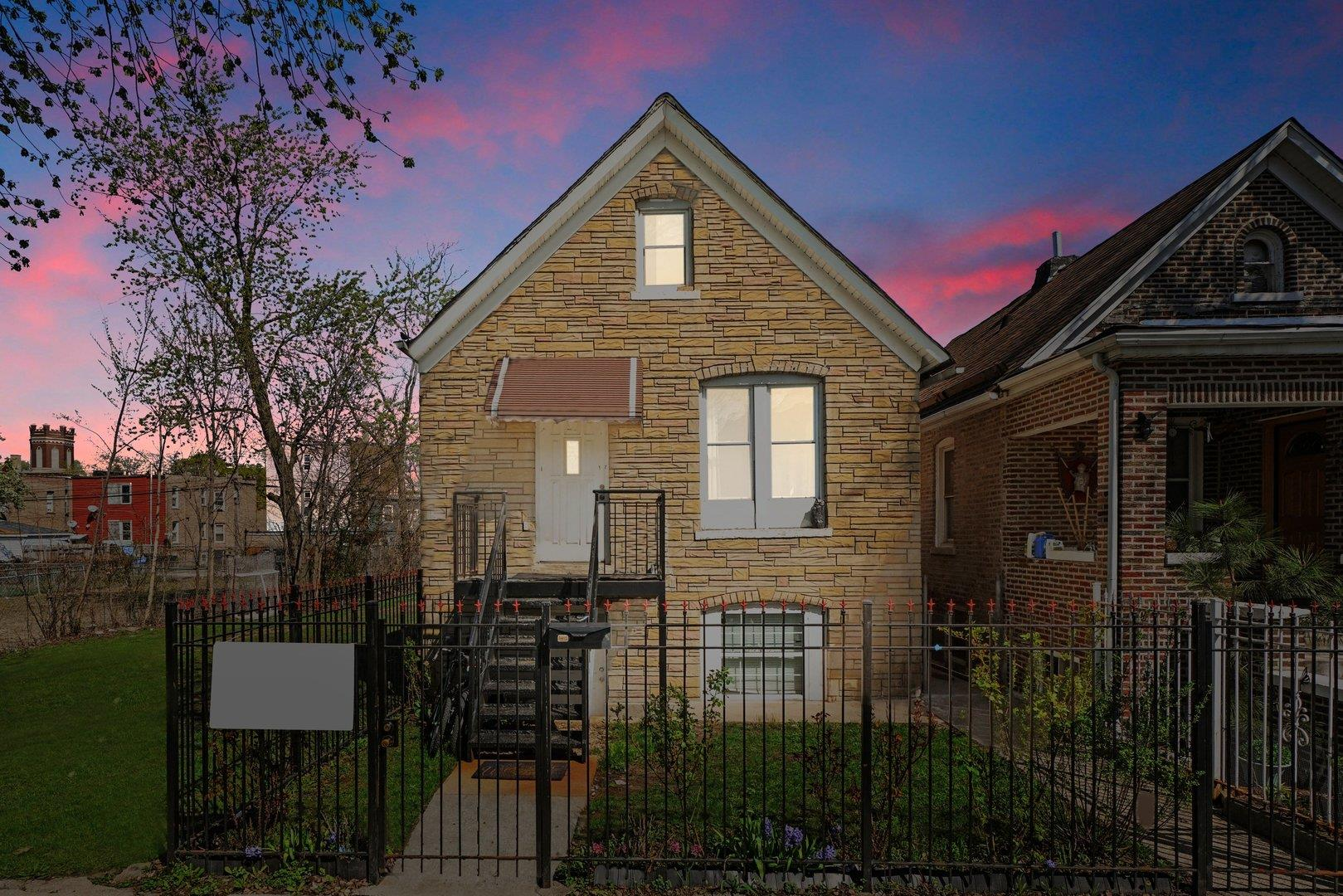837 N Harding Avenue, Chicago, IL 60651 - #: 11050584