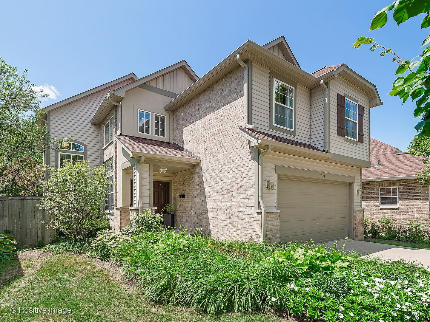 1624 S Luther Avenue, Oakbrook Terrace, IL 60181 - #: 10807587