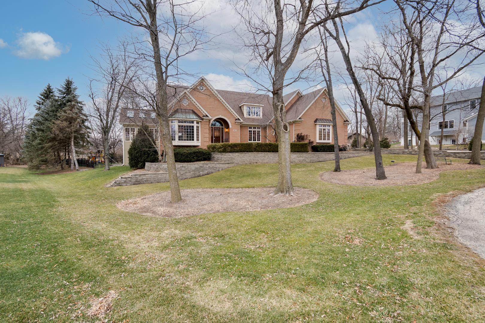 681 Nor Oaks Court, West Chicago, IL 60185 - #: 10947588