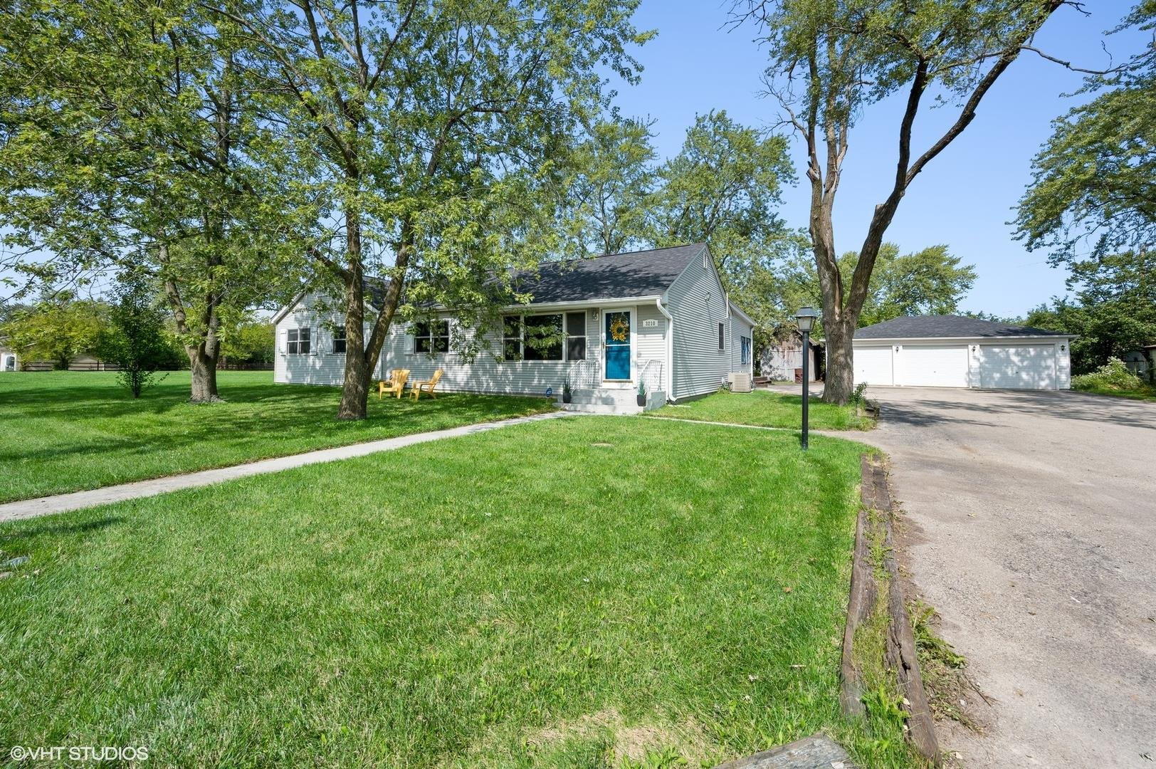 3210 Thornberry Drive, Glenview, IL 60025 - #: 10848589