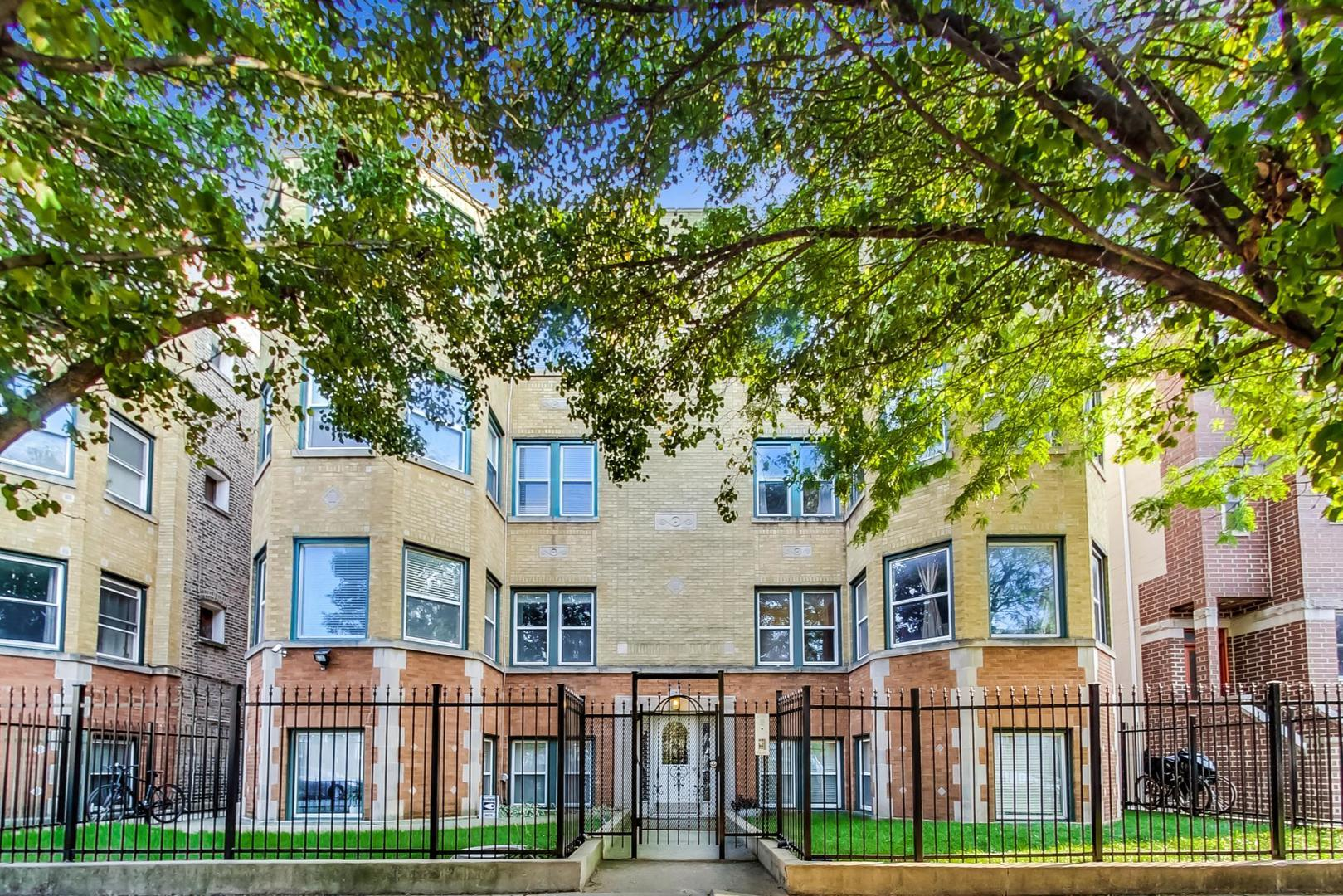 3515 W Medill Avenue #2W, Chicago, IL 60647 - #: 10884597