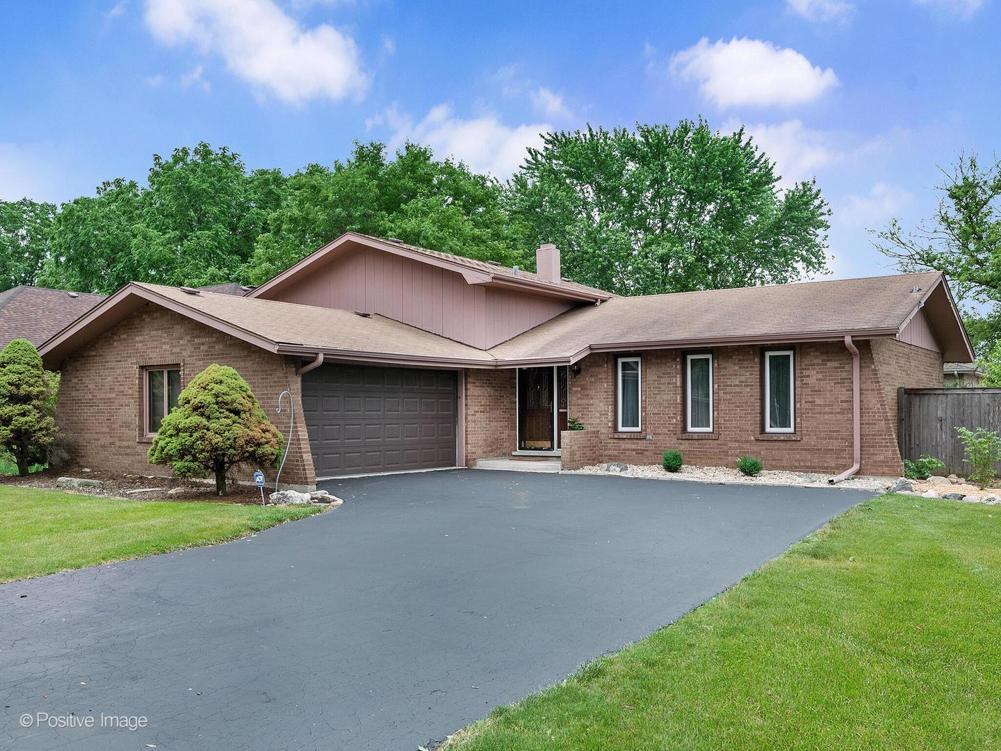 11017 84th Place, Willow Springs, IL 60480 - #: 11122603