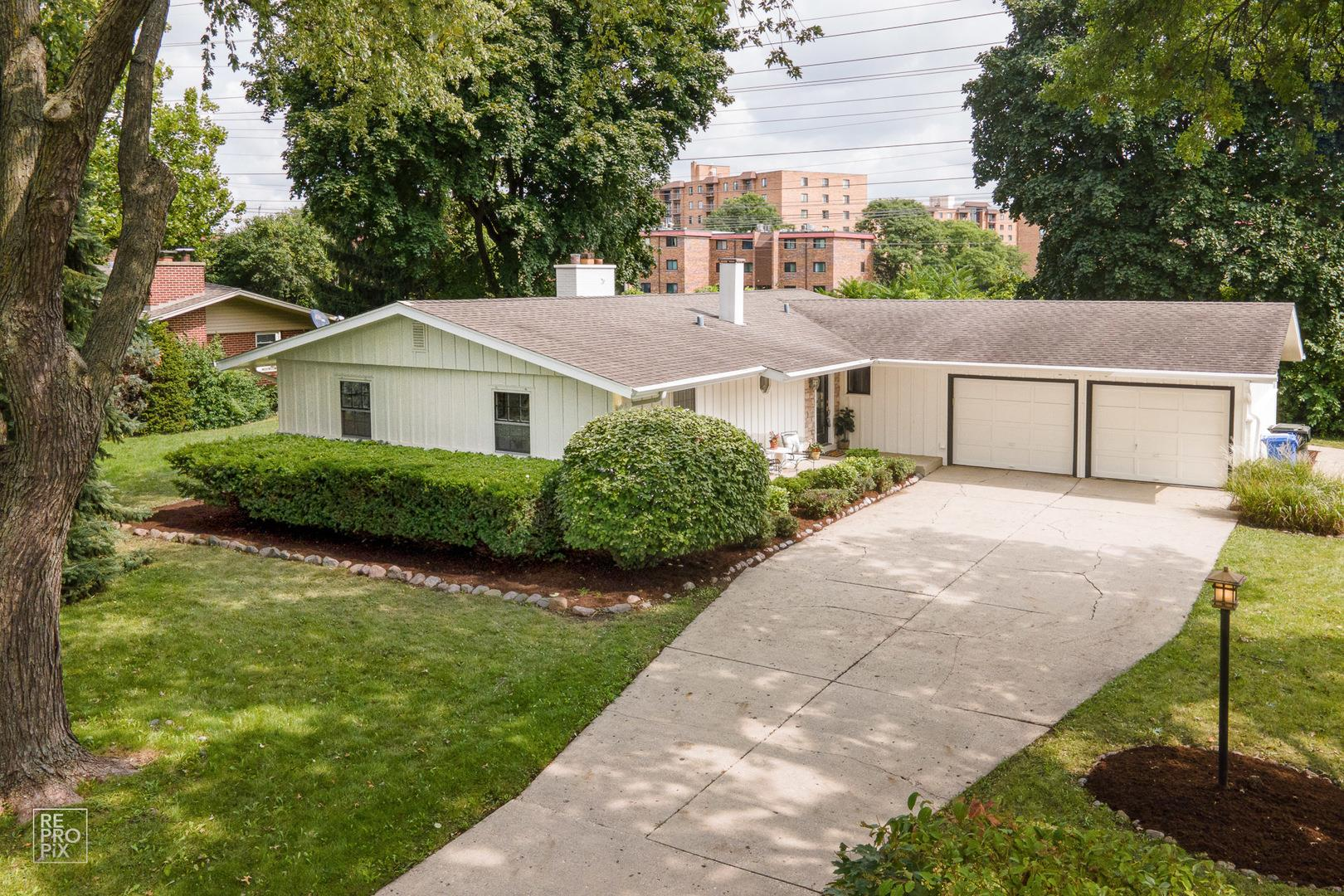 2835 Briarwood Drive, Arlington Heights, IL 60005 - #: 10848605