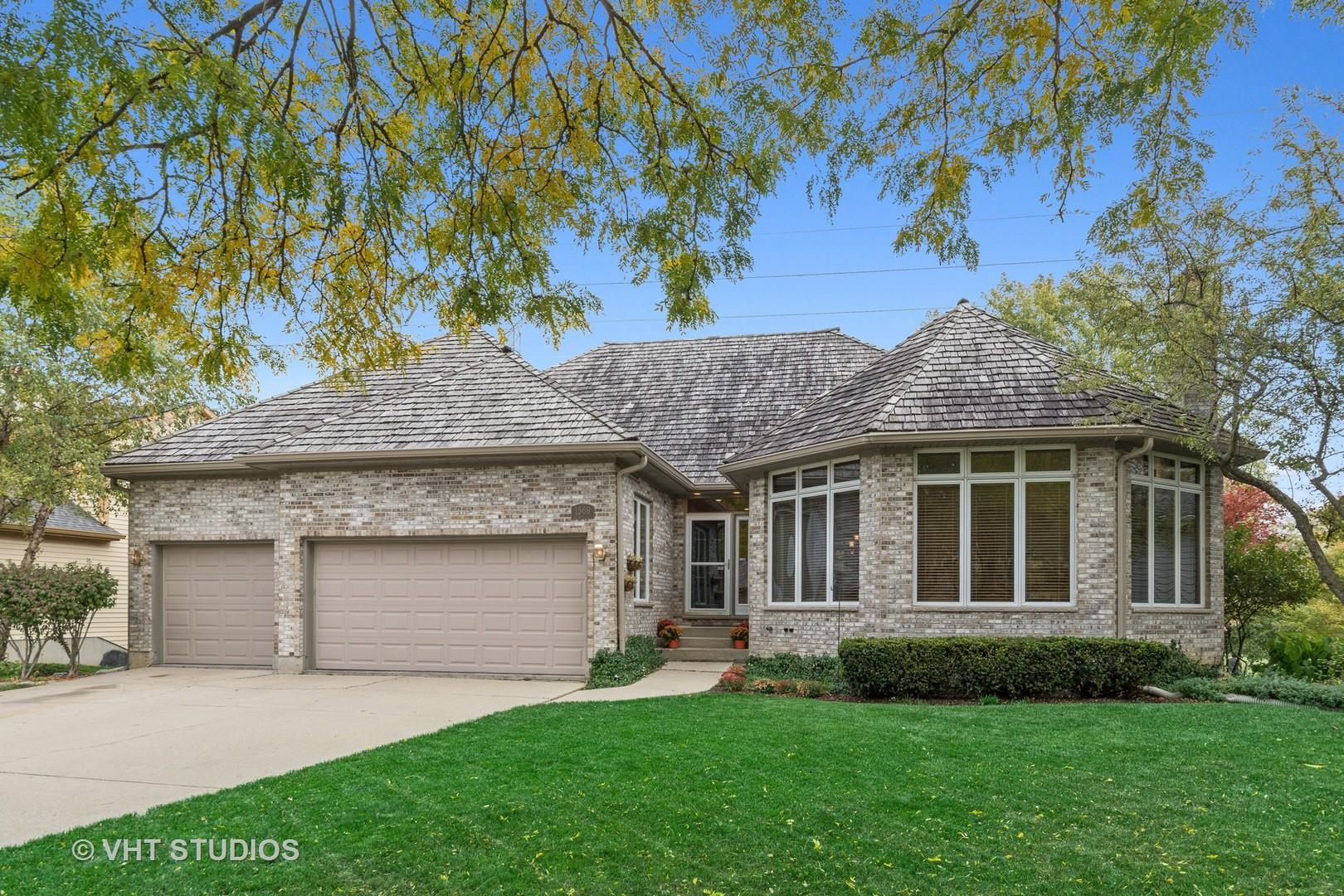 1569 Old Barn Circle, Libertyville, IL 60048 - #: 10938606