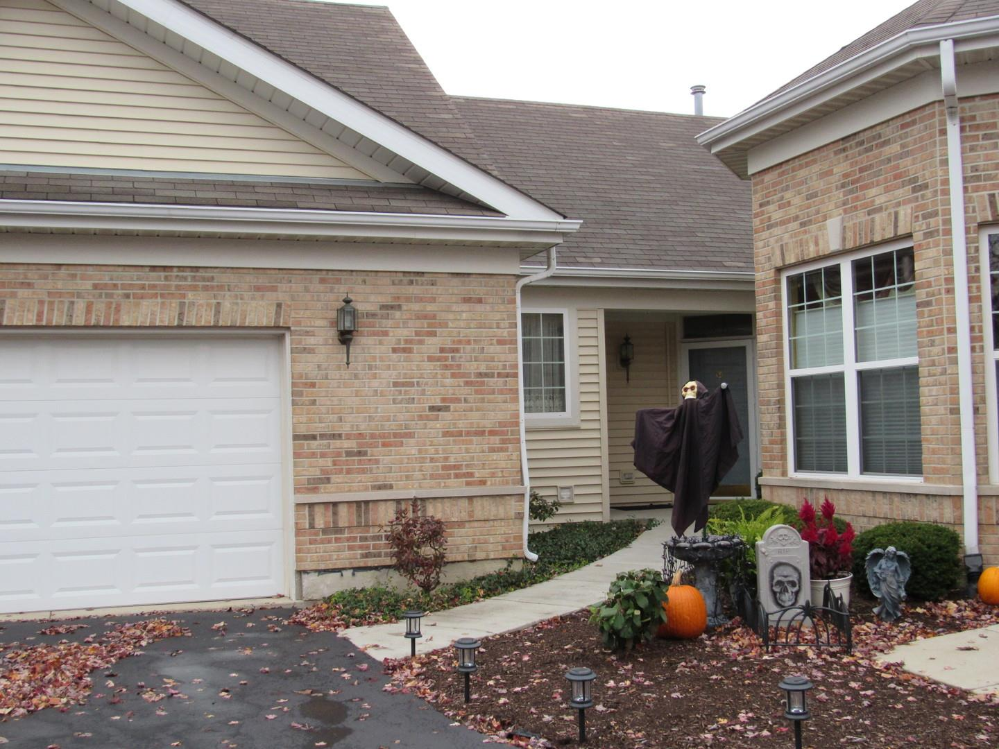 21536 Papoose Lake Court #21536, Crest Hill, IL 60403 - #: 10923607