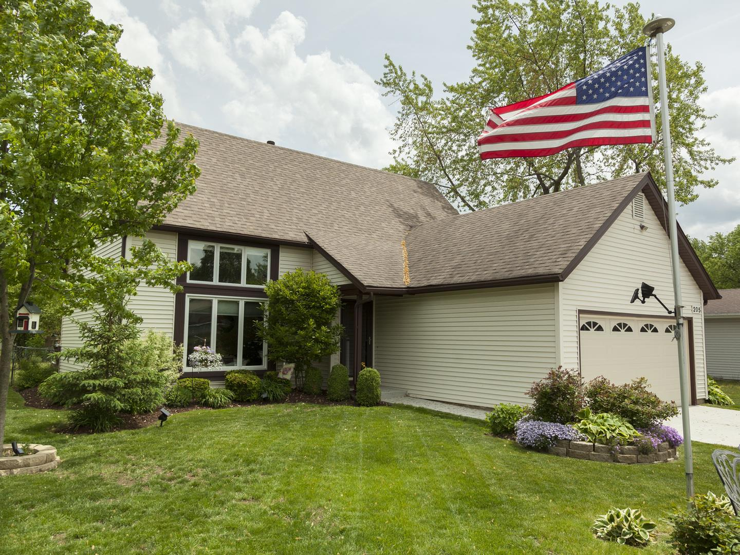 205 plymouth Drive, Streamwood, IL 60107 - #: 11095610