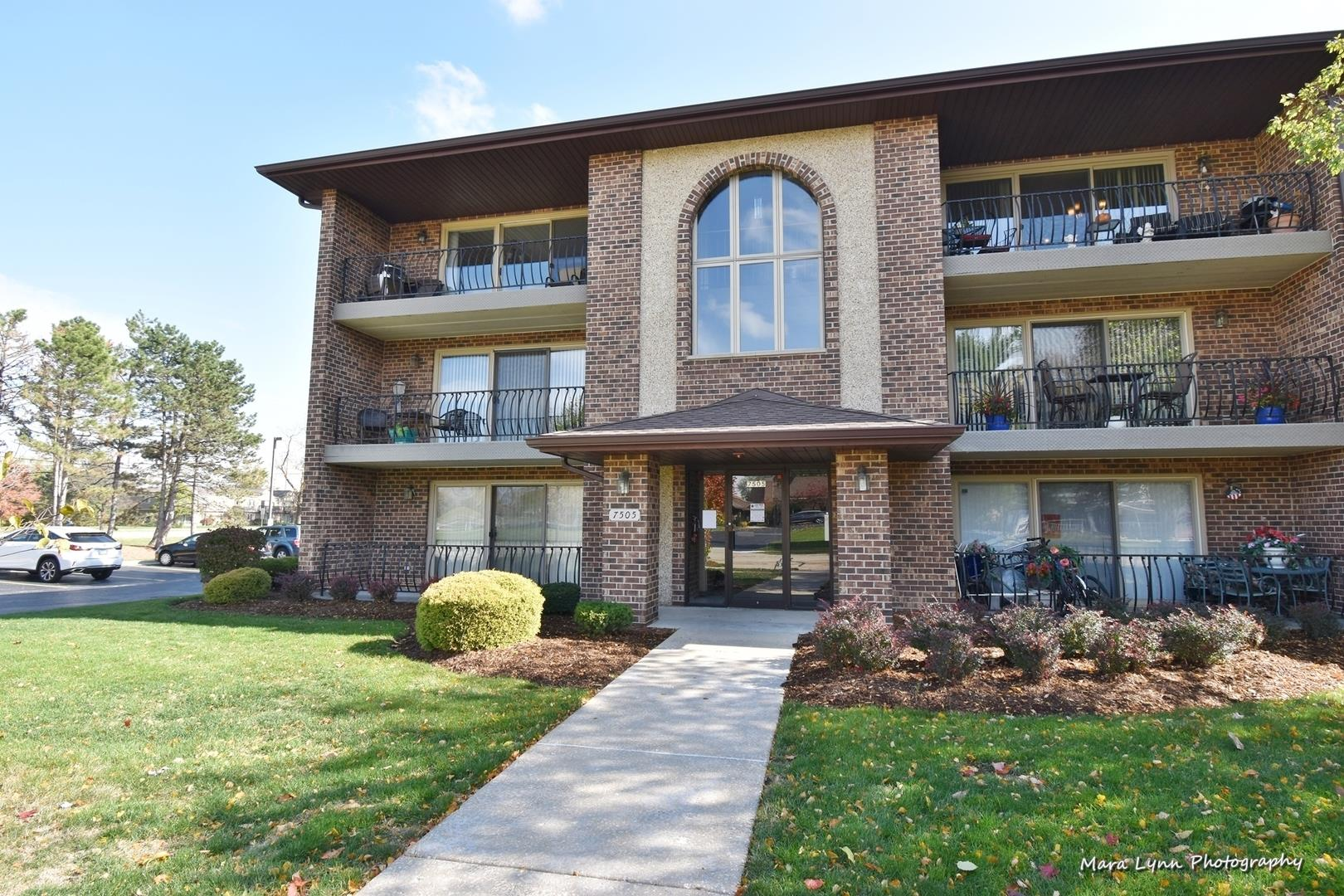 7505 Sheridan Drive #1-2A, Willowbrook, IL 60527 - #: 10908611
