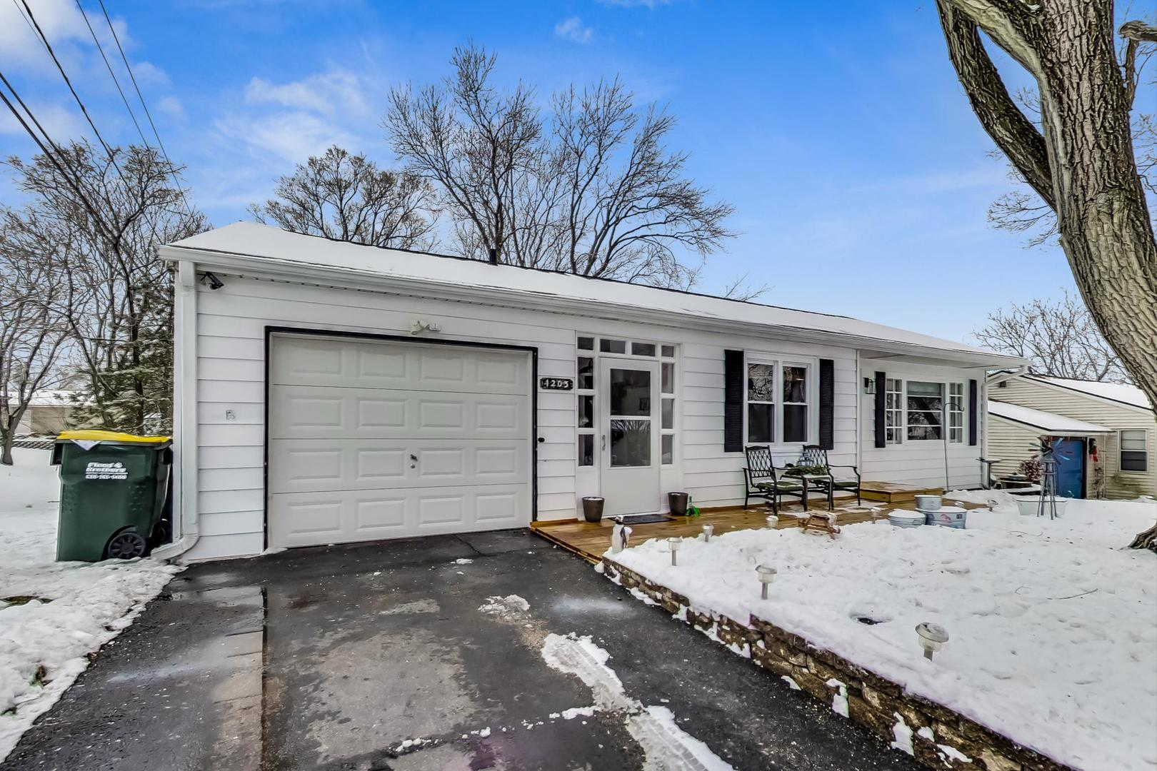 1203 Elm Street, Lake in the Hills, IL 60156 - #: 10966612