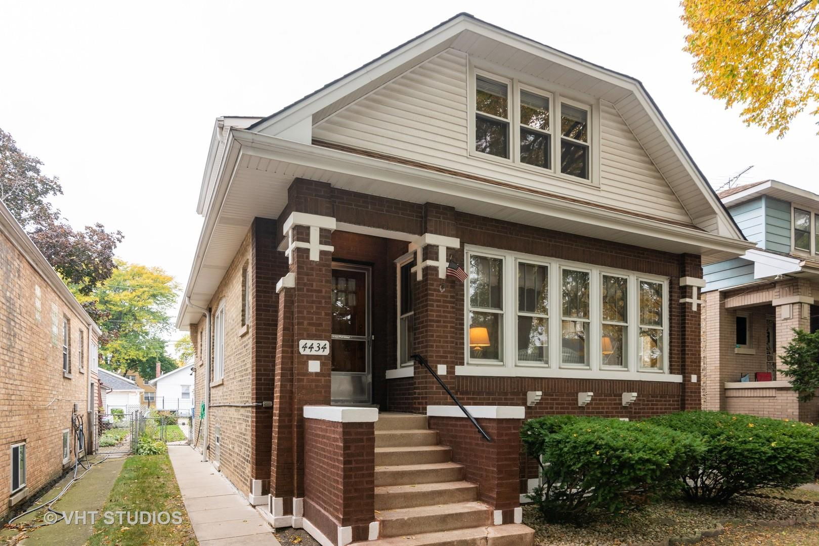 4434 N Lamon Avenue, Chicago, IL 60630 - #: 10905627