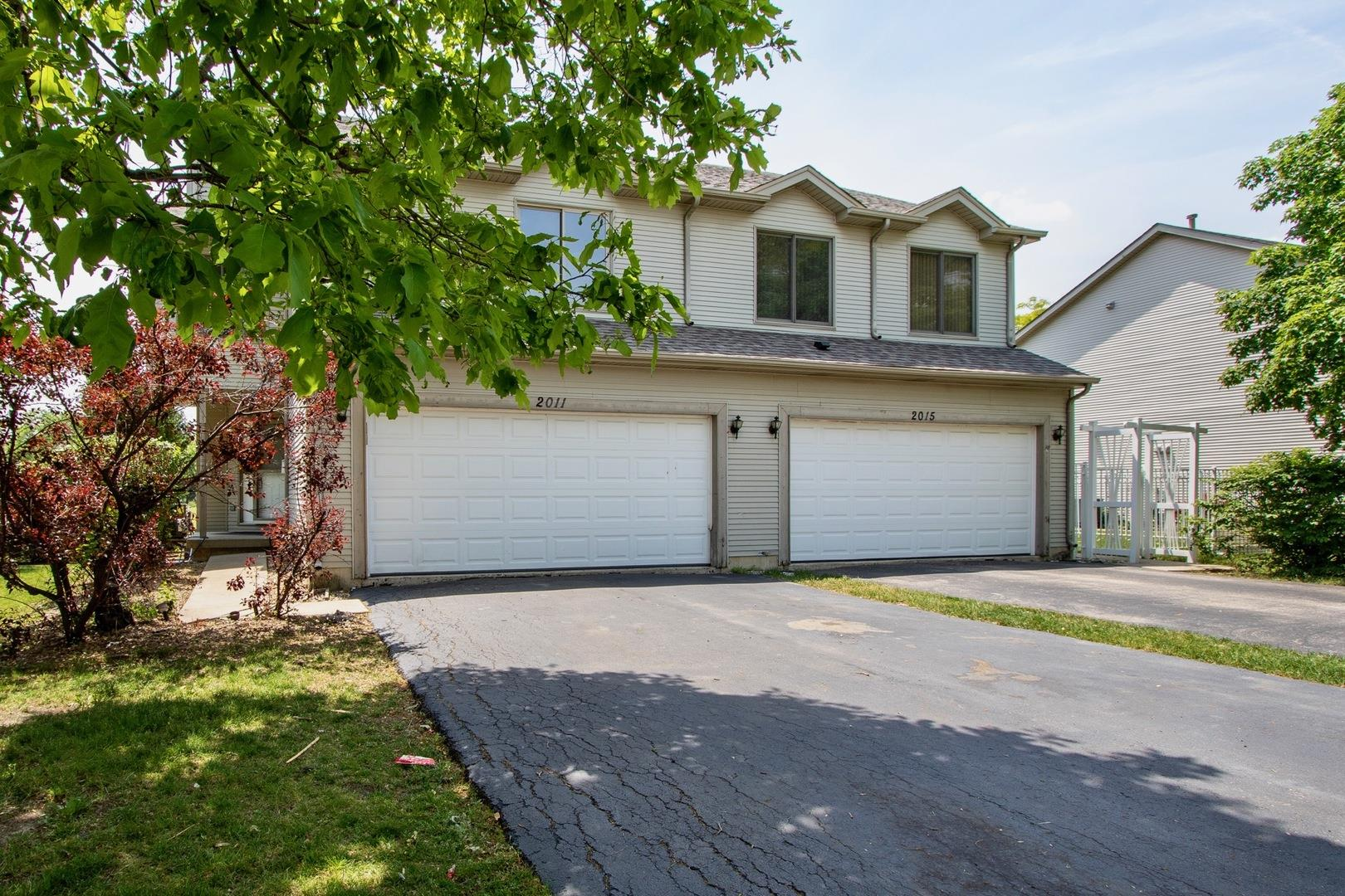 2011 HOLLYWOOD Court, Hanover Park, IL 60133 - #: 11080630