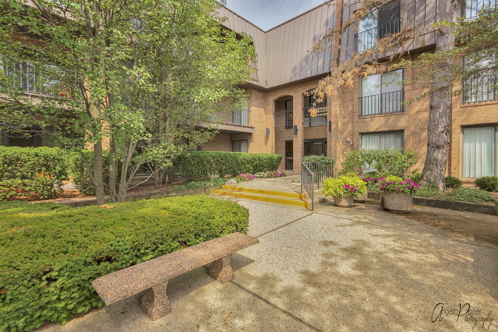 3 The Court Of Harborside #301, Northbrook, IL 60062 - #: 10842641