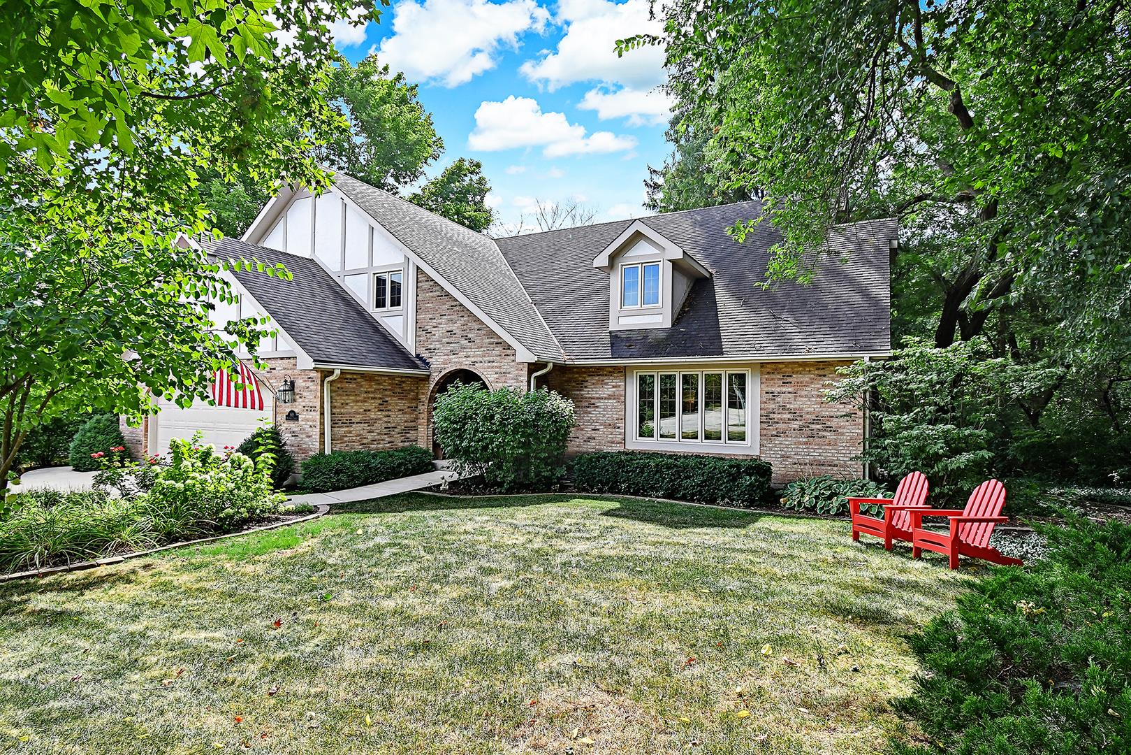 869 Maryknoll Circle, Glen Ellyn, IL 60137 - #: 10917647