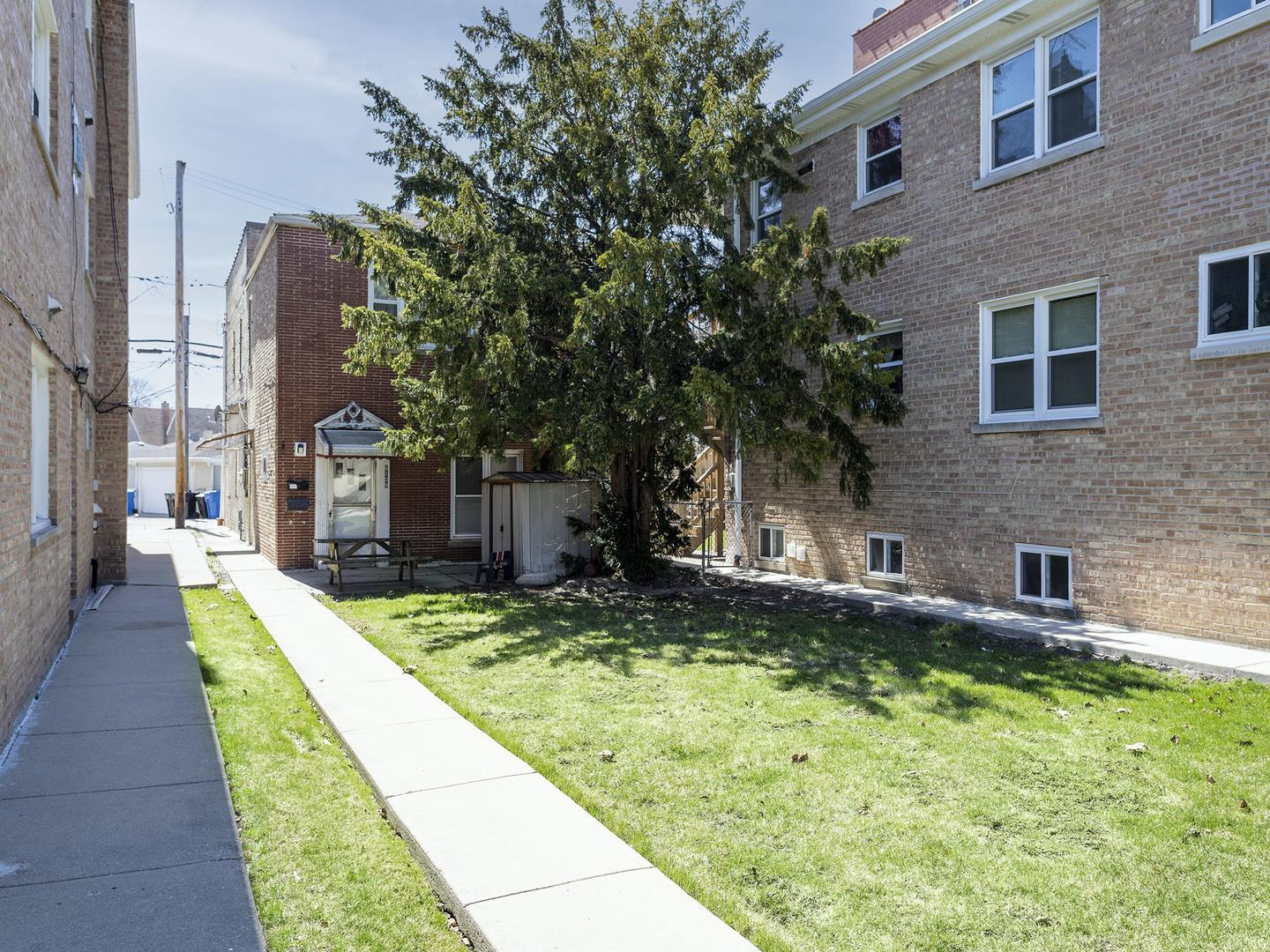 6109 W Higgins Avenue, Chicago, IL 60630 - #: 11045649