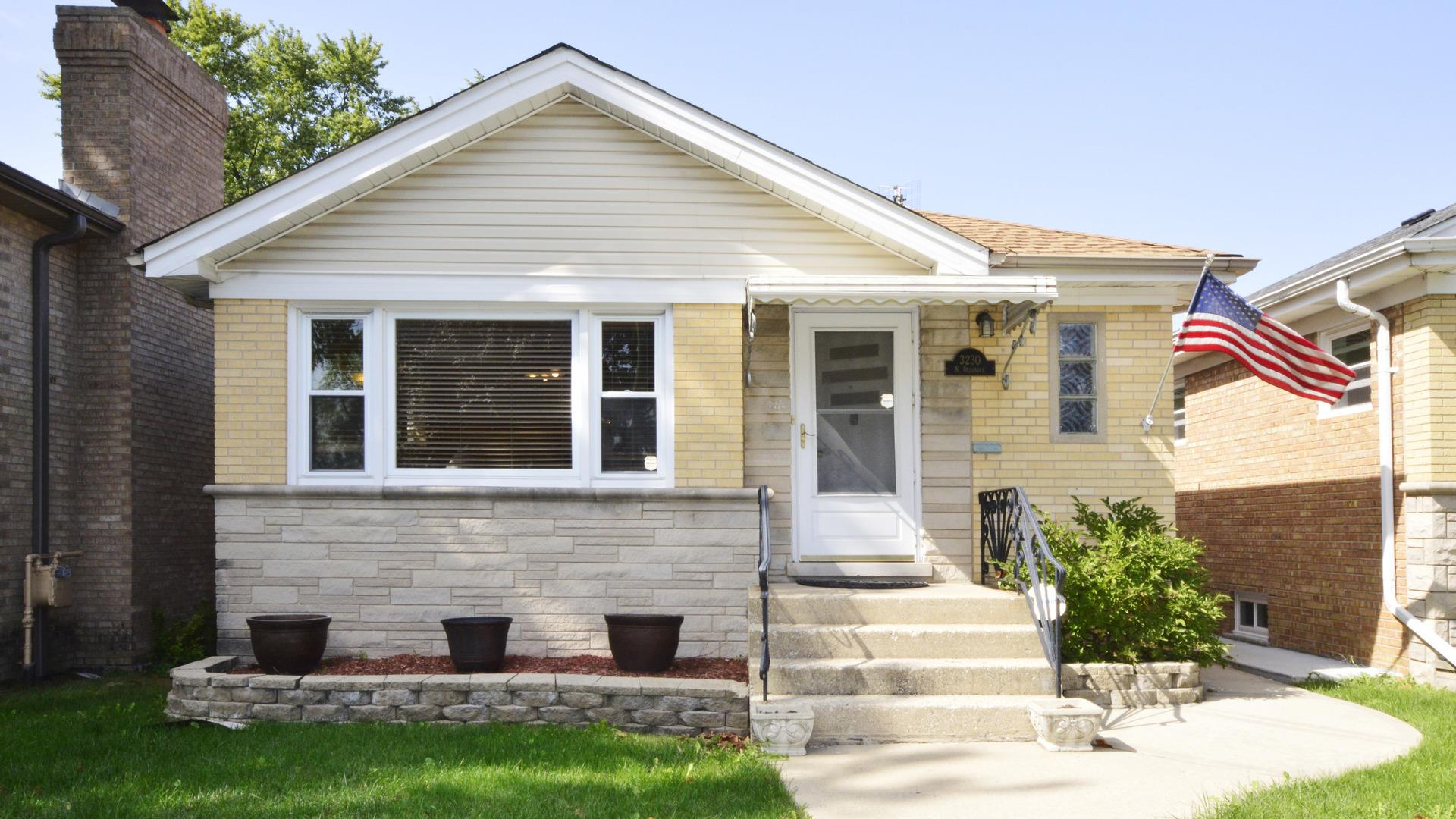 3230 N Oleander Avenue, Chicago, IL 60634 - #: 10876652