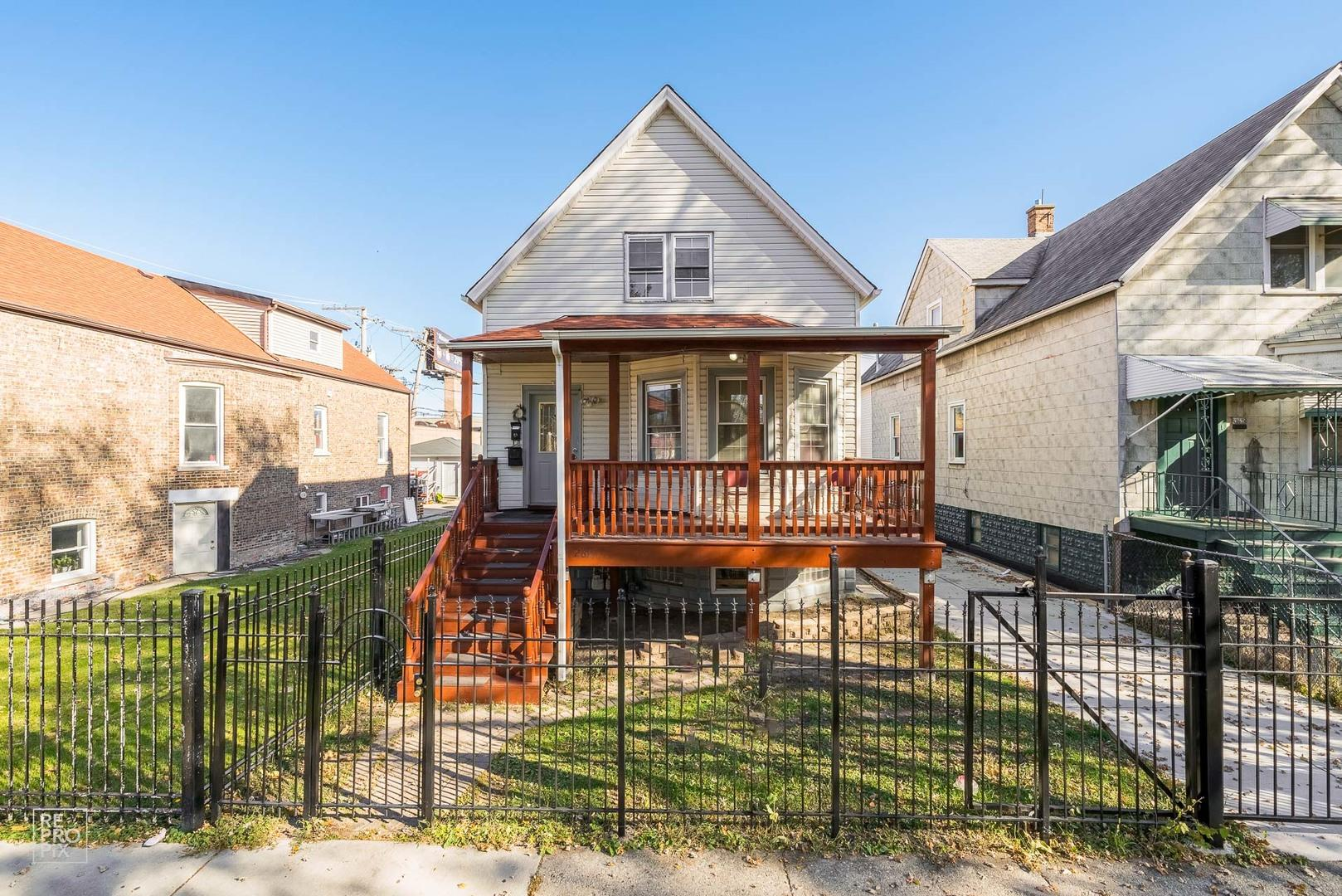 2621 S Komensky Avenue, Chicago, IL 60623 - #: 10930659