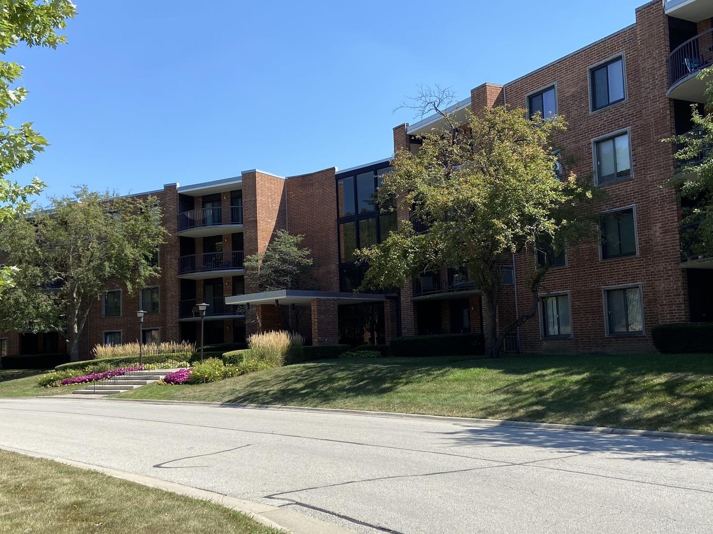 1605 E CENTRAL Road #105A, Arlington Heights, IL 60005 - #: 10828661