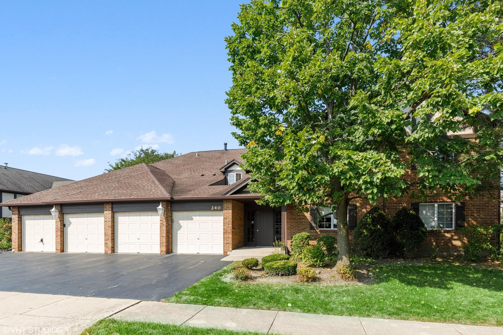 240 Windsor Lane #D, Willowbrook, IL 60527 - #: 10880661