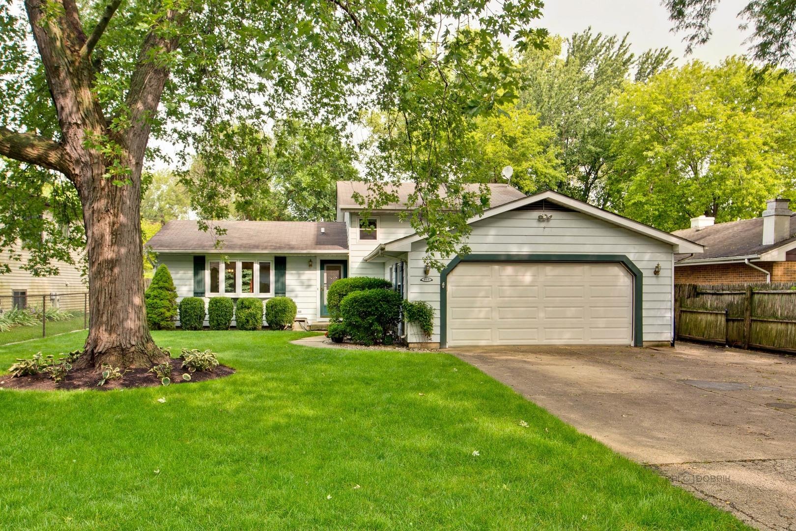 815 Jenkisson Avenue, Lake Bluff, IL 60044 - #: 10859663