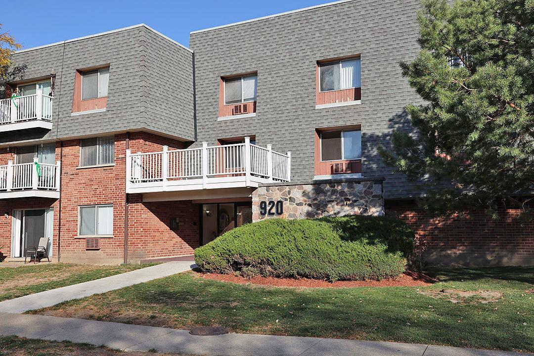920 Ridge Square #210, Elk Grove Village, IL 60007 - #: 10928666