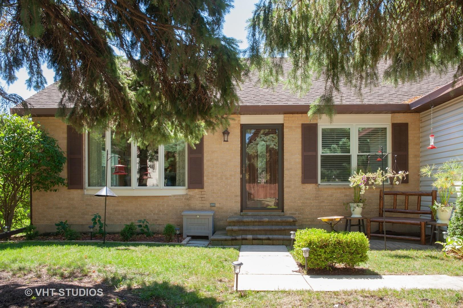 1341 Rose Boulevard, Buffalo Grove, IL 60089 - #: 10850670