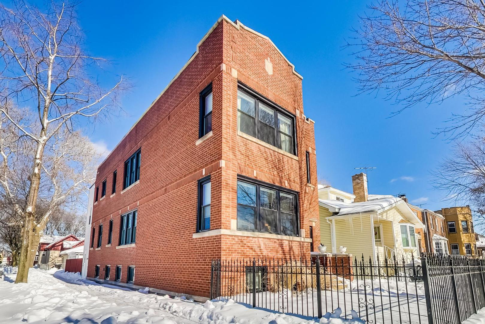 5658 W Leland Avenue, Chicago, IL 60630 - #: 10987670