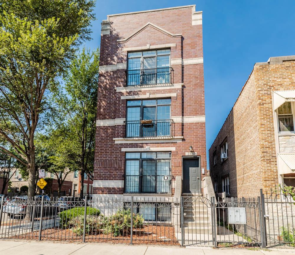 2324 S Oakley Avenue #2, Chicago, IL 60608 - #: 10846671