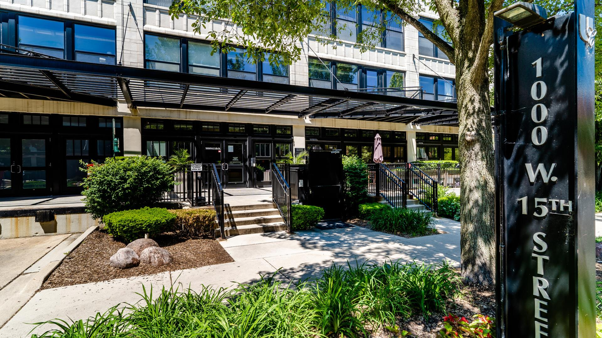 1000 W 15th Street #220, Chicago, IL 60608 - #: 10743679
