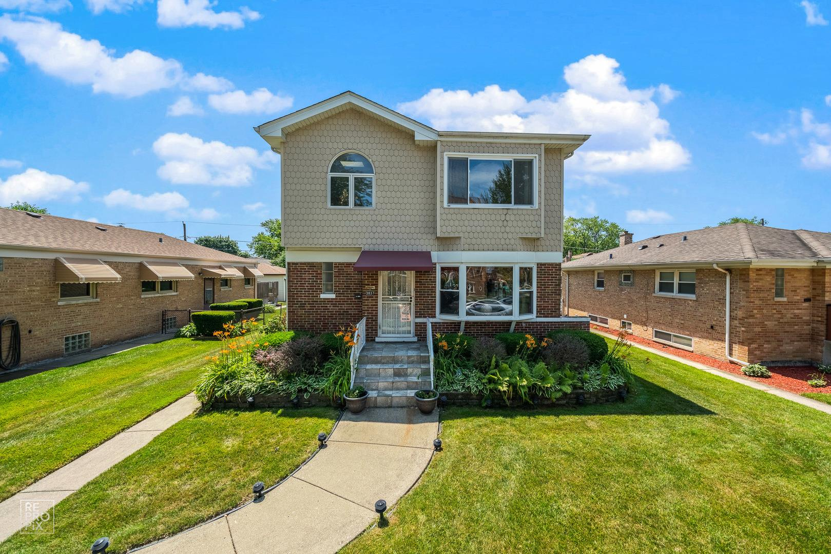 3837 Jerome Avenue, Skokie, IL 60076 - #: 10770685