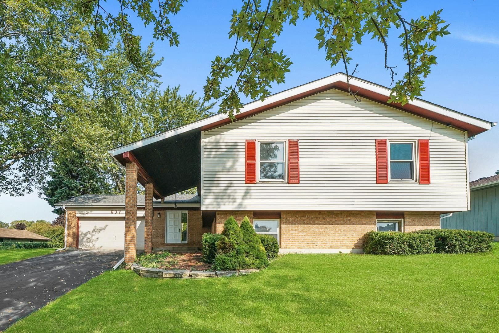 837 Saint Johns Road, Woodstock, IL 60098 - #: 10887685