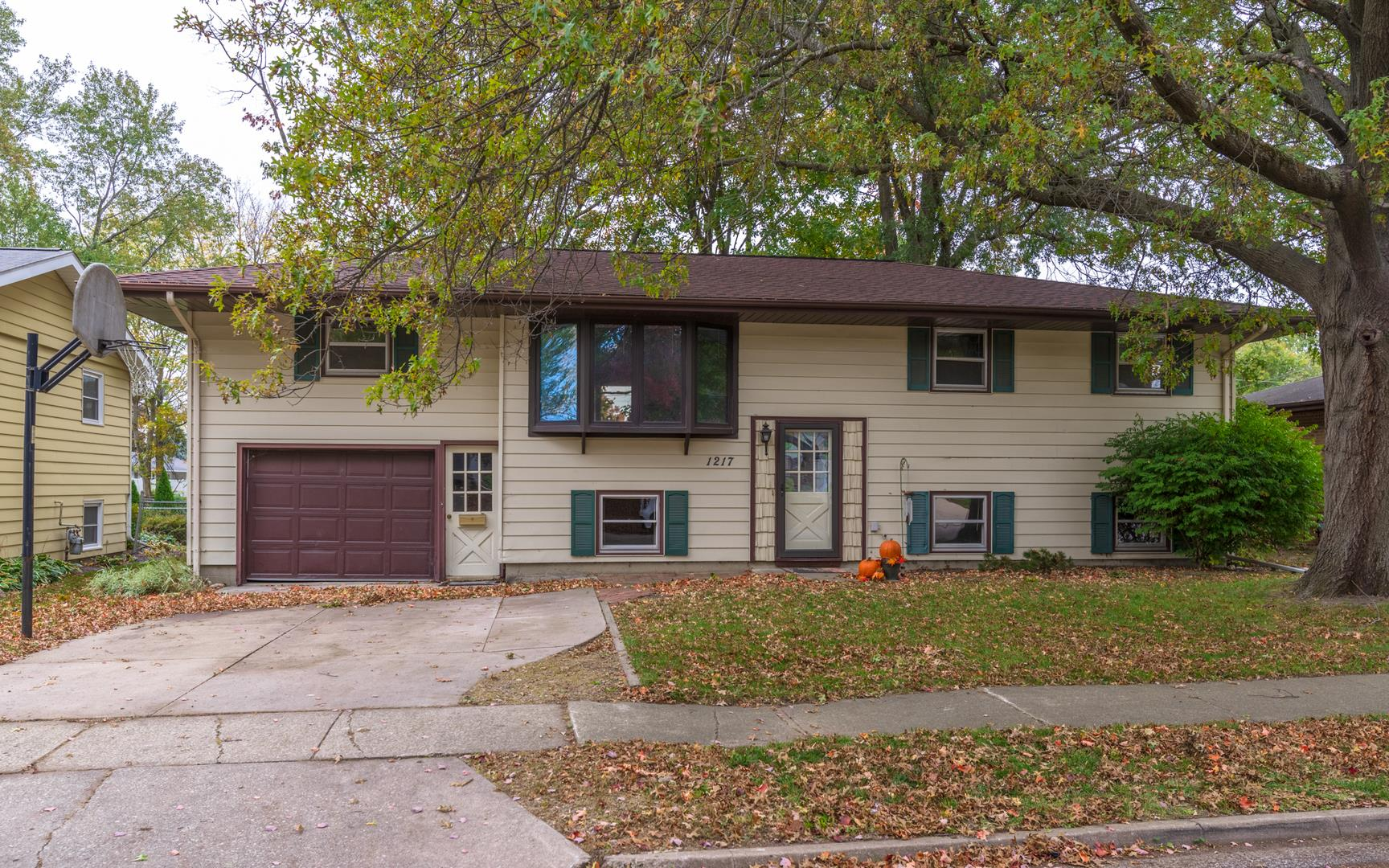 1217 Searle, Normal, IL 61761 - #: 10897689