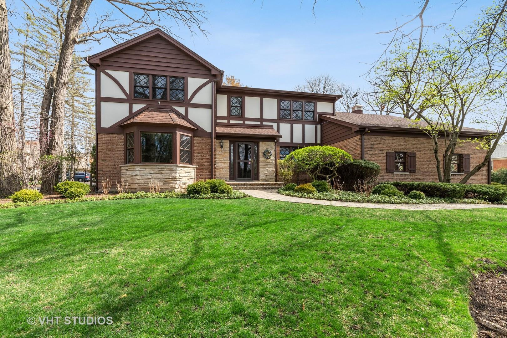 1350 Fairway Drive, Lake Forest, IL 60045 - #: 11054690