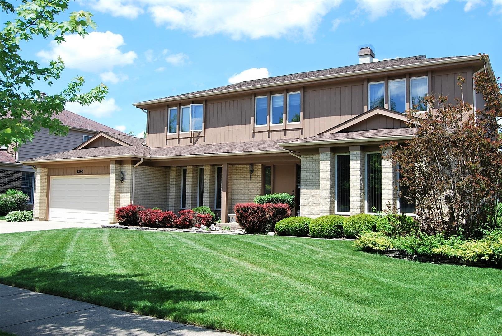 2263 N CHARTER POINT Drive, Arlington Heights, IL 60004 - #: 10839692