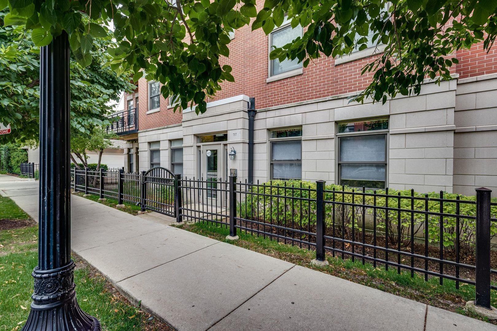 757 W 14th Place #3A, Chicago, IL 60607 - #: 10894695