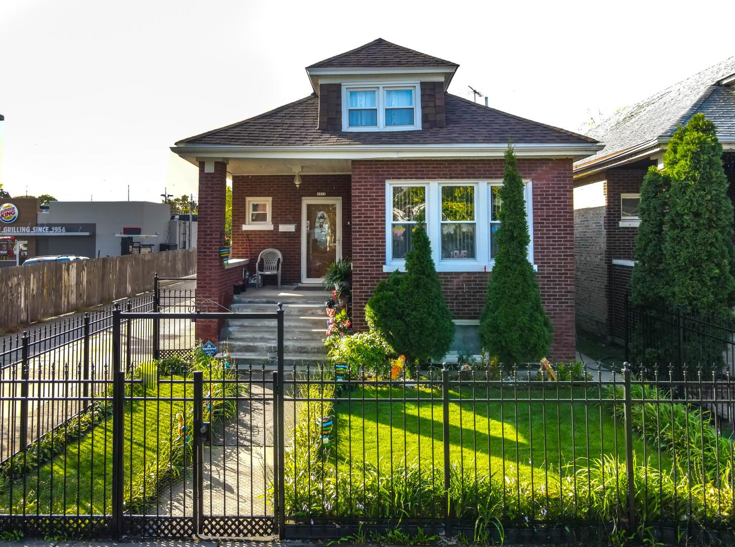 3211 W 64TH Place, Chicago, IL 60629 - #: 10896697