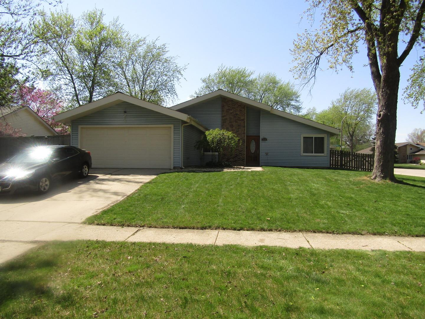5892 Chatsworth Court, Hanover Park, IL 60133 - #: 11074703