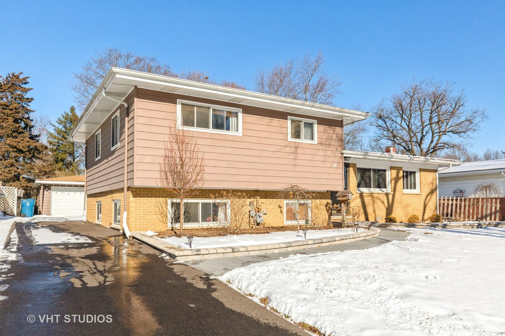 512 S 5th Street, West Dundee, IL 60118 - #: 10972705