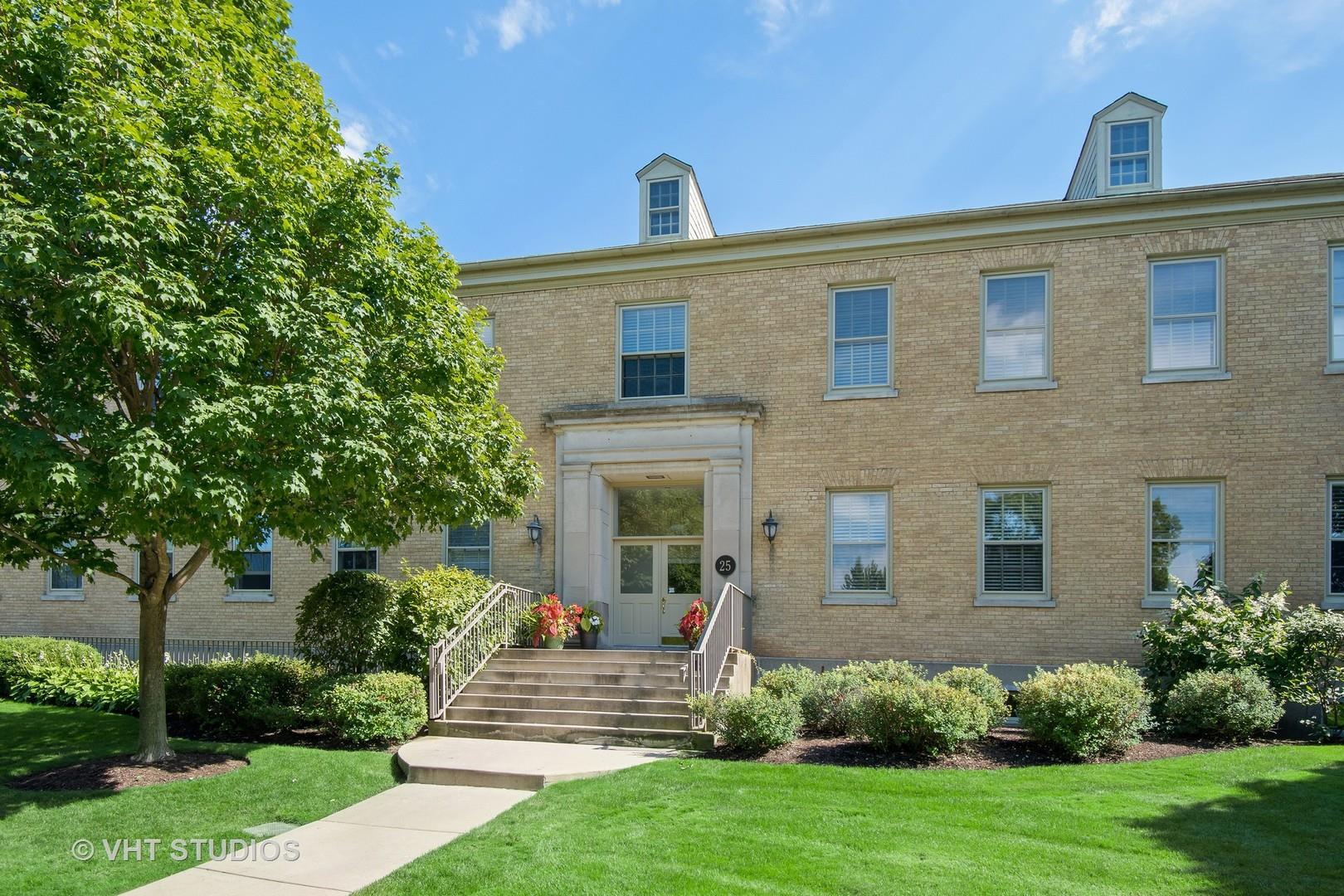 25 Ronan Road #205, Highwood, IL 60040 - #: 10818715