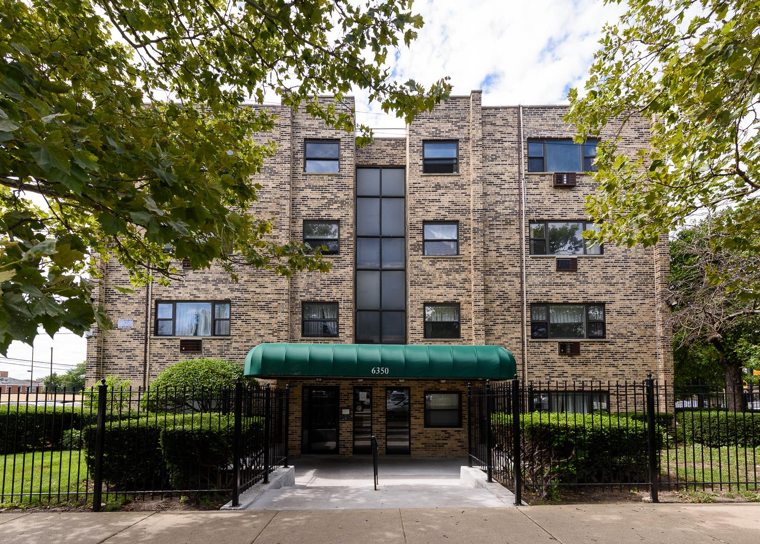 6350 N Hoyne Avenue #106, Chicago, IL 60659 - #: 10977723