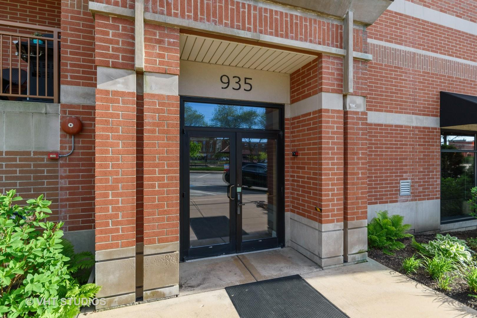 935 Burlington Avenue #402, Downers Grove, IL 60515 - #: 10716725