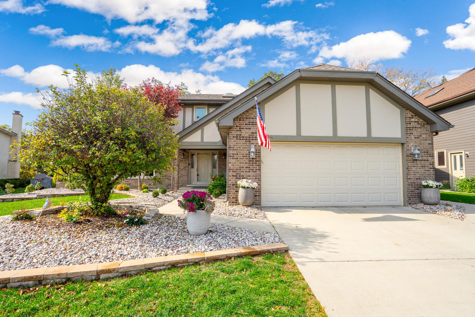 8432 KENTWOOD Court, Darien, IL 60561 - #: 10942730