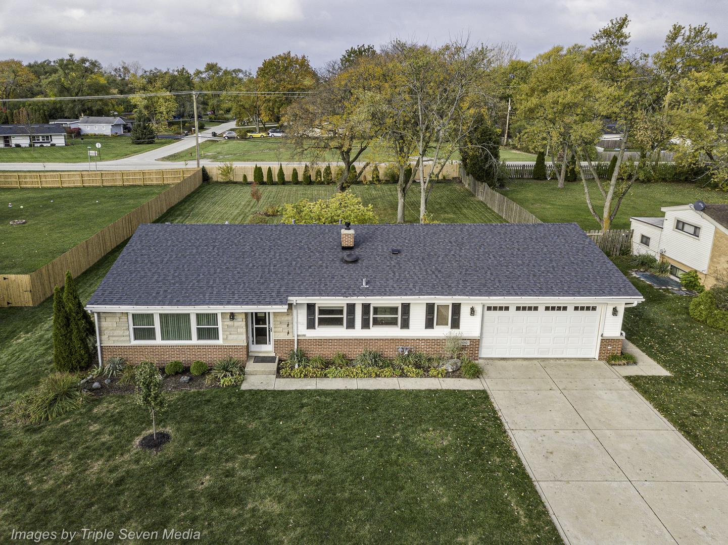 6010 Longview Drive, Countryside, IL 60525 - #: 10885738