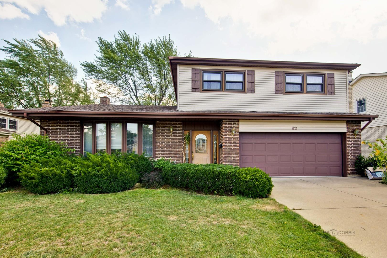 1925 E Waverly Lane, Arlington Heights, IL 60004 - #: 10849743