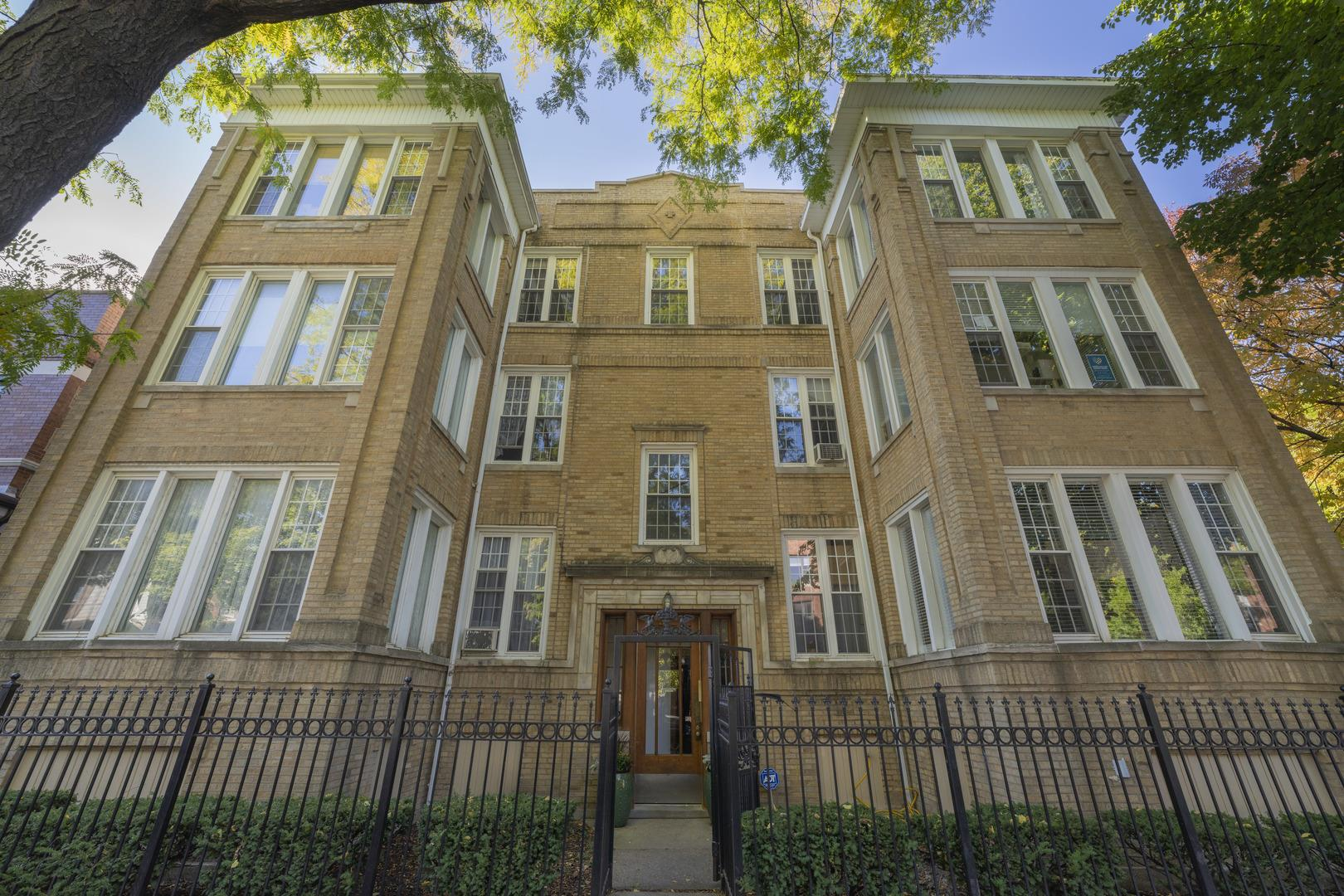 2457 W Eastwood Avenue #3, Chicago, IL 60625 - #: 10896743