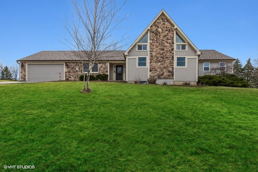 12 S High Point Road, Round Lake, IL 60073 - #: 11039743